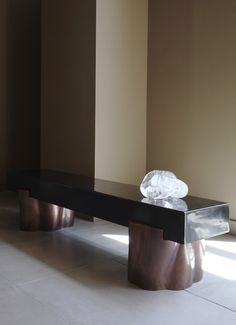 Robert Kuo Root Bench base in antique copper with black lacquer top Ottoman Stool, Decorative Objects, Table Furniture, Dining Table, Modern, Benches, Inspiration, Ottomans, Antique Copper