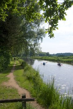 De Berkel, Gelderland. - De Berkel is een rivier die in Duitsland ontspringt, in Nederland door de Achterhoek stroomt en bij Zutphen in de IJssel uitmondt.
