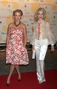 Carolina Herrera and Lynn Wyatt - 'Valentino In Rome, 45 Years Of Style' Exhibition Opening - July 6, 2007. Wish I felt confident enough to wear strapless.