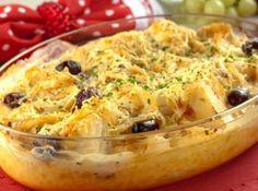 Bacalhau Gratinado com Creme de Mandioca - Veja mais em: http://www.cybercook.com.br/receita-de-bacalhau-gratinado-com-creme-de-mandioca.html?codigo=119907