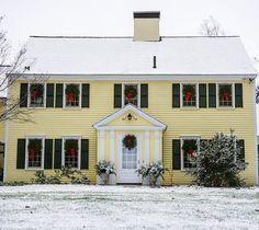Traditional New England Holiday Charm. #newenglandfineliving #newenglandmagazine #christmas #christmasinnewengland #christmasinspiration #yellowhouse #christmaswreath #concord #ma #newengland #newenglandstyle #newenglandlifestyle