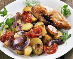 Mediterrán sült csirke tepsis zöldséggel