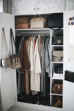Iconic Closet Design and Organization Wardrobe Closet, Closet Bedroom, Closet Space, Bedroom Decor, Design Bedroom, Capsule Wardrobe, Closet Detox, Wardrobe Organisation, Dream Closets