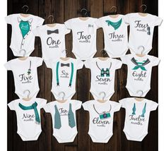 Monthly Bodysuits/Month By Month Rompers/Baby Boy Milestone Set/Watch Me Grow/Infant Monthly Shirt/Grow With Me Bodysuit/Baby Shower Gift Boy Onesie, Baby Boy Romper, Baby Bodysuit, Idee Cadeau Baby Shower, Baby Boys, Panda Bebe, Baby Monat Für Monat, Diy Bebe, Baby Announcements