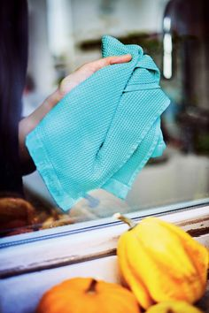 Protect the environment by reducing your paper towel waste with our Microfiber Window Towels! #Tupperware