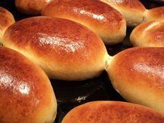 Как приготовить пирожки, которые не черствеют====================================== Итак, начнем. Напоминаю, хотим результат – делаем все по технологии. Нам понадобится: – 3 яйца; – 0,5 литра молока + полстакана для заливки дрожжей; – 200 г маргарина; – 50 г дрожжей; – мука; – соль, сахар, растительное масло. Муку надо обязательно просеять через сито. Маргарин достать из холодильника, чтобы стал комнатной температуры. Дрожжи смешиваем со щепоткой сахара и заливаем половиной стакана теплого…