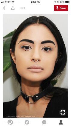 Von wegen Grusel-Look: So minimalistisch schön kann Goth Beauty sein 11 photos that show that Gothic make-up works for princesses too # Tuto makeup eyes – That's how it works!Rosenwasser: That's how it works Makeup Inspo, Makeup Inspiration, Makeup Tips, Beauty Makeup, Eye Makeup, Hair Makeup, Makeup Ideas, Makeup Art, Black Lipstick Look