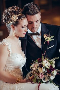 Gold and Glam Wedding Ideas   just the kind of thing that sets our hearts racing: 1920s accents, touches of anemones, and a little bit of painting influence taken from the art nouveau movement.