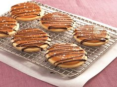 Salted Caramel Shortbread Cookies. Gotta try these.