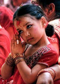 Kathmandu - een kleine Kumari. Kijk voor meer reisinspiratie op www.nativetravel.nl