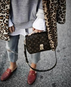 Black Palms Clothing, Shoes & Jewelry : Women : handbags and purses for women http://amzn.to/2j9CmhZ