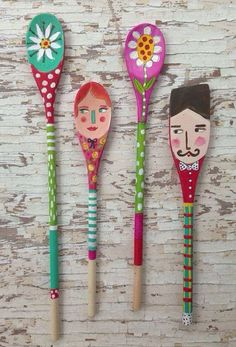 Tido nem colorido. Wooden Spoon Crafts, Wooden Spoons, Wood Crafts, Diy And Crafts, Crafts For Kids, Arts And Crafts, Painted Spoons, Spoon Art, Arte Popular