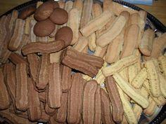 Nagyi féle darálós eszembe juttattatja a gyermekkorom ízeit! - Ketkes.com Romanian Desserts, Hungarian Recipes, Hungarian Food, Nutella, Sausage, Cooking Recipes, Cookies, Sweet, Drinks