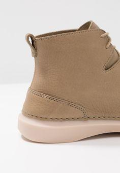 1a3e26ef92f Clarks HALE RISE - Boots à talons - sandstone - ZALANDO.FR