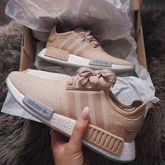 adidas NMD – braun beige // Foto: _ka_leen (Ins… Adidas Nmd R1, Mode Adidas, Moda Sneakers, Beige Sneakers, Girls Sneakers, Beige Shoes, Nmd Adidas Women Outfit, Adidas Outfit, Adidas Shoes