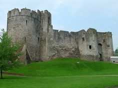 Welsh Chepstow castle ,,,construction began in 1067  Google Image Result for http://www.castlewales.com/chepstow01.jpg
