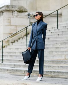 The Best Street Style from Paris Fashion Week Street Style 2017, Street Style Trends, Straight Cut Jeans, Fashion Week Paris, Street Outfit, Cool Street Fashion, Street Chic, Short, Suits For Women