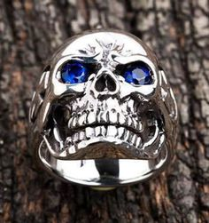 Made of 925 Sterling Silver. Skull Face Measue : x Silver Skull Ring, Mens Silver Rings, Silver Man, Sterling Silver Rings, Skull Rings, Skull Jewelry, Hippie Jewelry, Witch Rings, Platinum Wedding
