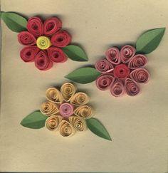 Quilling é uma arte antiga popular narenascençaque consiste em enrolar tirinhas de papel diferentes para criar diversas formas e desenh...
