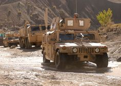 military hummer | Newly-purchased Hummers and trucks will arrive in Israel and undergo ...