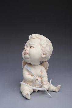 Johnson Tsang est sans doute un des meilleurs artistes actuels travaillant la céramique, nous vous avions d'ailleurs déjà présenté son travail avec ses scu