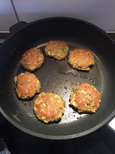 Zucchini, Iron Pan, Fall Recipes, Food And Drink, Veggies, Burger, Kitchen, Chef Recipes, Finger Food