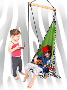 Hang Mini Zebra. Ui diesmal gibt es bei #konsumgoettinnen was für unsere Kids,also schaut mal rein