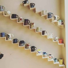 Clever wall display for ceramic mugs and cups. - - Clever wall display for ceramic mugs and cups. Visual Inspiration, Stitch & Rivet Clever wall display for ceramic mugs and cups. Coffee Mug Storage, Coffee Mug Display, Coffee Mug Holder, Coffee Cups, Tea Cups, Diy Kitchen Storage, Kitchen Shelves, Diy Storage, Storage Ideas
