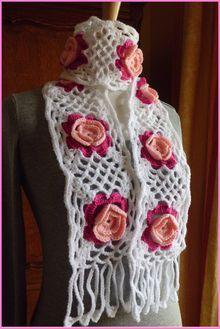 Crochet Motifs, Crochet Shawl, Crochet Patterns, Cute Crochet, Crochet Crafts, Crochet Projects, Crochet Scarves, Crochet Clothes, Crochet Mignon