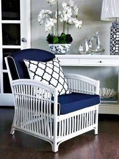 Changing your cushions is the easiest way to add colour and style to your decor! Create a relaxed and sophisticated resort-style feel with… Hamptons Style Decor, The Hamptons, Hamptons House, New Hampton, Hampton Style, East Hampton, Pool House Decor, Rattan Armchair, Armchairs