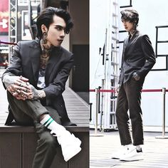 Get this look: http://lb.nu/look/8691013 More looks by IVAN Chang: http://lb.nu/ivan Items in this look: Tastemaker 達新美 Suit, Alexander Mcqueen Shoes #artistic #street #vintage