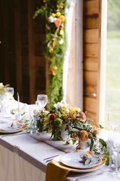 Real wedding at Handsome Hollow in Upstate NY | Image by JBM Weddings