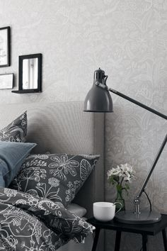 Grazia - Scandinavian design wallpaper by Stig Lindberg from the Scandinavian Designers collection - Boråstapeter. Grey Wallpaper Samples, Wall Wallpaper, Designer Wallpaper, Pattern Wallpaper, Stig Lindberg, Scandinavia Design, Interior Decorating, Interior Design, Arne Jacobsen