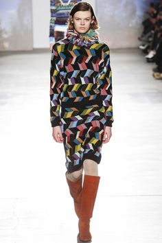 http://www.vogue.com/fashion-shows/fall-2017-ready-to-wear/missoni/slideshow/collection