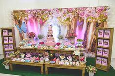 Venha se apaixonar por esta linda Festa Jardim. DecoraçãoBruna Avelar…