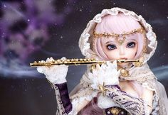 FairyLand Ball Joint Doll Shopping Mall Love the golden flute, with the hood, that jewelry, and her eyes are gorgeous!