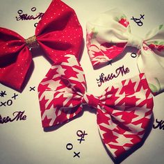 With love, from Bubb's Bowtique. New to the shop. Link in bio. #hinthint #valentine #bemine #xoxo #buymebows #bowtique