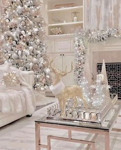 100 Elegant Christmas Decorations Which Defines Sublime & Sophisticated - Hike n Dip Give your Christmas home the elegant touch. Here are Elegant Christmas Home Decor ideas. These Christmas decors are simple, DIY Decors which you can do. Elegant Christmas Trees, Modern Christmas Decor, Christmas Room, Noel Christmas, Christmas Ideas, Silver Christmas Tree, Vintage Christmas, Silver Christmas Decorations, Homemade Christmas