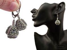 Regular tetrahedron earrings beaded geometric earrings  blog.sowiarnia.pl triangle pattern by Gillian Slone