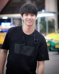 Sing Harit Cheewagaroon @ssingss Love Sick, Thai Drama, Songs To Sing, Ulzzang Boy, My Prince, Asian Boys, Cute Boys, My Eyes, Crushes