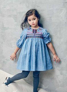 Nellystella Clover Dress in Denim – – PRE-ORDER Source: wholesomelinen Fashion Kids, Little Girl Fashion, Little Girl Dresses, Denim Fashion, Girls Dresses, Punto Smok, Estilo Jeans, Mode Jeans, Cute Outfits For Kids