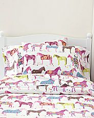 perfect bedding for a little girls room!