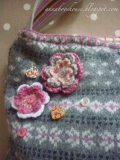 Love this.... pretty bag made out of a sweater.  Great gift for a little girl.