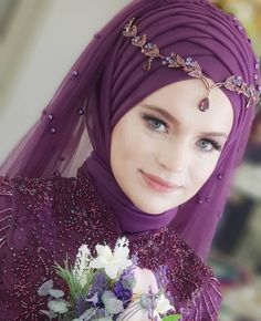 You can find different rumors about the history of the marriage dress; tesettür First Narration; Muslimah Wedding Dress, Muslim Wedding Dresses, Muslim Brides, Muslim Dress, Wedding Dresses Photos, Muslim Girls, Bridal Wedding Dresses, Kebaya Muslim, Muslim Couples