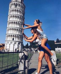 Bff Italy Pisa uploaded by on We Heart It Best Friend Pictures, Bff Pictures, Travel Pictures, Friend Pics, Travel Photos, Silly Photos, Italy Pictures, Hipster Vintage, Style Hipster