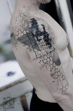 Auf der Suche nach einem neuen Tattoo, aber noch keine Ahnung, welches Motiv es werden soll? Dann kommt hier jede Menge Inspiration! Wir zeigen euch die wichtigsten Tattoo-Trends 2018!1...