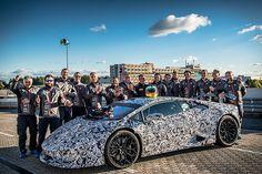 Lamborghini Huracan Performante chinh phục vòng tròn tử thần Nürburgring Nordschleife