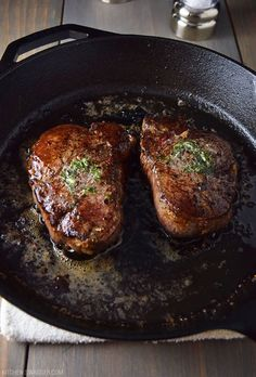 How to cook the perfect pan-seared filet mignon using butter, high heat and a cast iron skillet. Never grill streak again. How to cook the perfect pan-seared filet mignon using butter, high heat and a cast iron skillet. Never grill streak again. Iron Skillet Recipes, Cast Iron Recipes, Cast Iron Skillet Steak, Cast Iron Grill, Pan Seared Filet Mignon, Cast Iron Filet Mignon, Filet Mignon Recipes Grilled, Best Filet Mignon Recipe, Filet Mignon Marinade