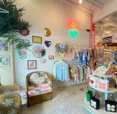 Cute Room Ideas, Boutique Interior, Glam Room, Aesthetic Room Decor, Room Setup, Room Ideas Bedroom, Pink Walls, Office Interiors, Store Design