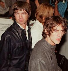 Noel Gallagher (oasis) and Richard Ashcroft (verve) - Color Photo. Kinds Of Music, My Music, The Verve, Noel Gallagher, King Richard, Greatest Rock Bands, Rock And Roll Bands, Britpop, Stevie Nicks